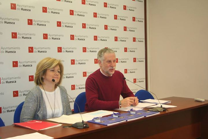 Huesca bate r cord de consultas en la oficina de turismo for Oficina turismo ainsa